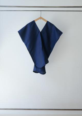タイシルク ツバメシャツ 裾ラウンド
