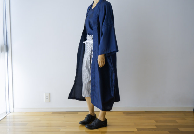 col=NVY [Tops]IR-B-192TS(Thai Silk Karen Shirts)/siz=ONE/col=NVY [Bottoms]IR-P-226JC-STP-(Stripe Japanese Cotton Thai Pants-Short-)/siz=ONE/col=GRY (model=160cm/5'2'')