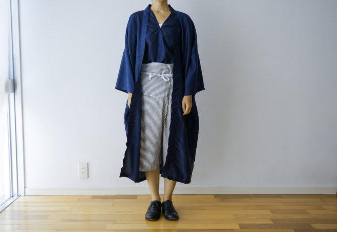 siz=S/col=GRY [Tops]IR-B-192TS(Thai Silk KAREN Shirts)/siz=ONE/col=NVY [Outer]IR-J-222TS(Thai Silk Bathrobe Jacket)siz=ONE/col=NVY (model=160cm/5'2'')