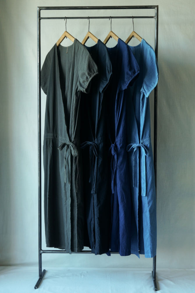 (left to right) col.チャコール(BROWN),紺(NAVY) , 群青(LAPIS), 青(BLUE),