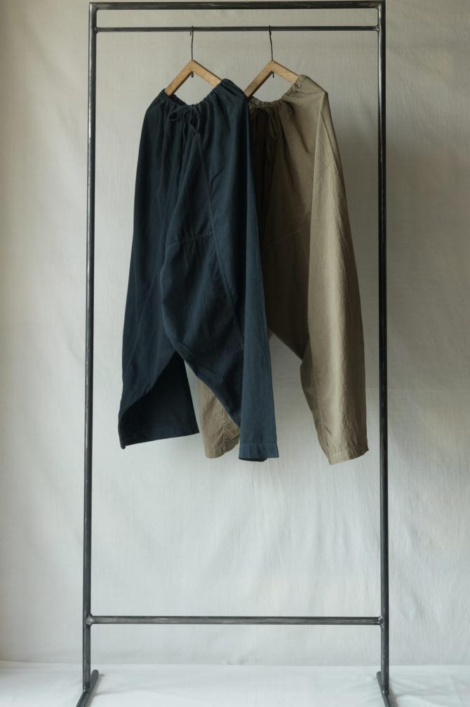 left> col.紺(NAVY), right>col.ベージュ(Beige)