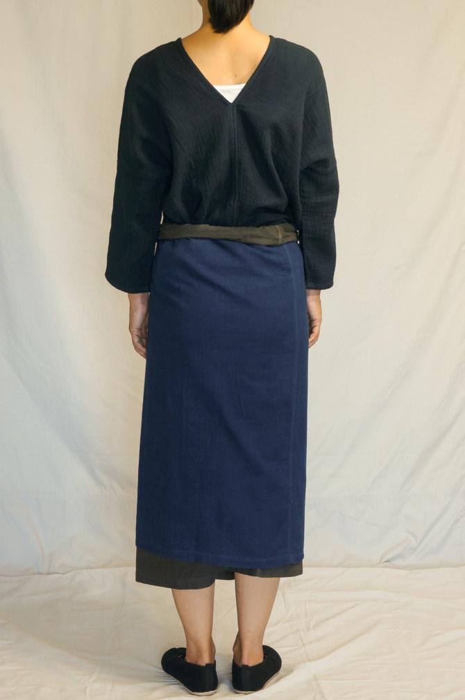 col.群青(LAPIS) & チャコール(BROWN) , model=160cm
