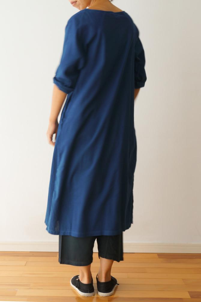 col.青(BLUE) | model=160cm ※PANTS=#IR-P-200NS(ND) ,col=紺(NAVY)
