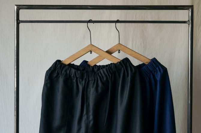 left)col.BLK size.S , right)col.NVY size.M