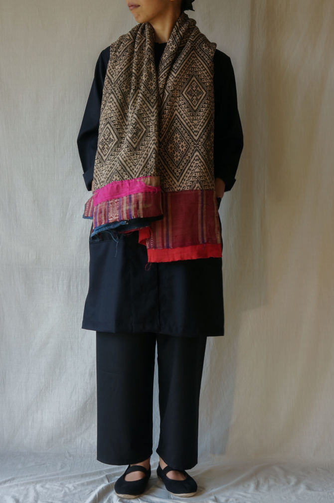 col.BLK size.S | model=160cm ※OUTER=IR-C-161CW col.NVY size.S , SHAWL= LAOS Old Textile