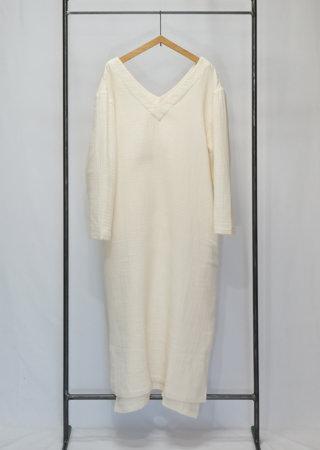 トリプルガーゼコットンVネックドレス